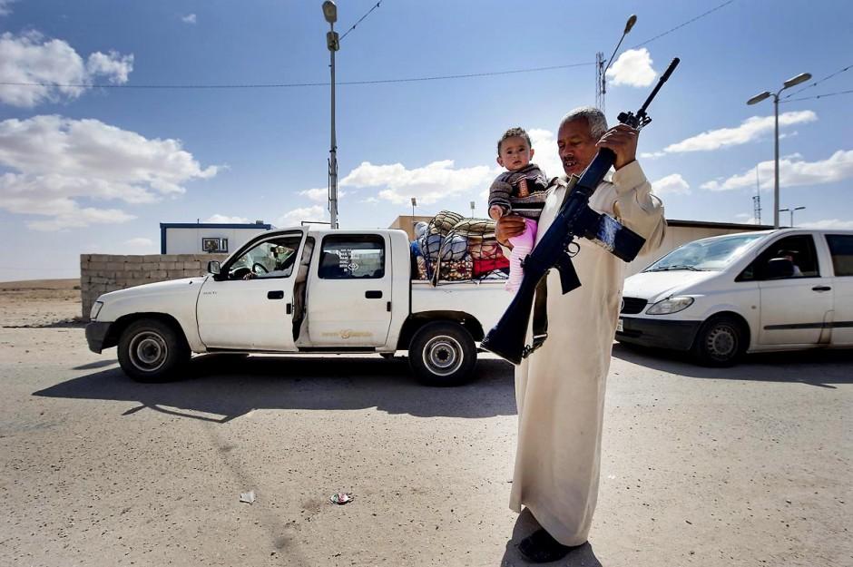 28 avril 2011 : Réfugiés libyens quittant la région du Djebel Neffousa pour rejoindre la Tunisie à l