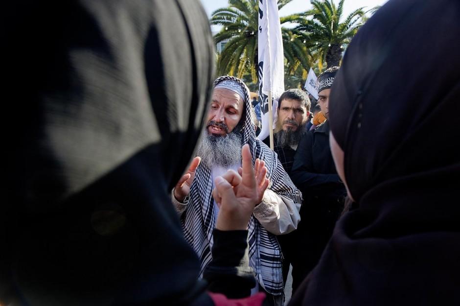 16 mars : plus de 3000 manifestants devant l