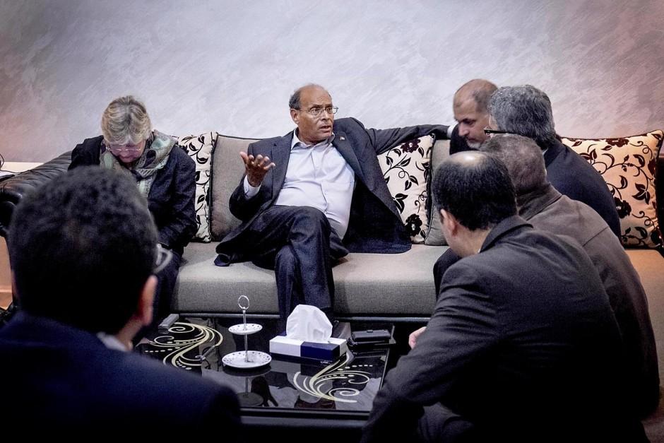 23 novembre 2014 : Moncef Marzouki, Président de la République en exercice, est venu avec sa femme à son QG de campagne pour s