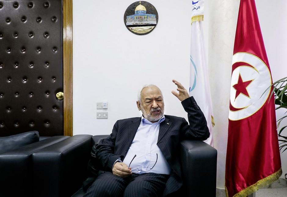 17 octobre 2012 : M. Rached Ghannouchi Président du parti Ennahdha, parti au pouvoir en Tunisie dans son bureau.